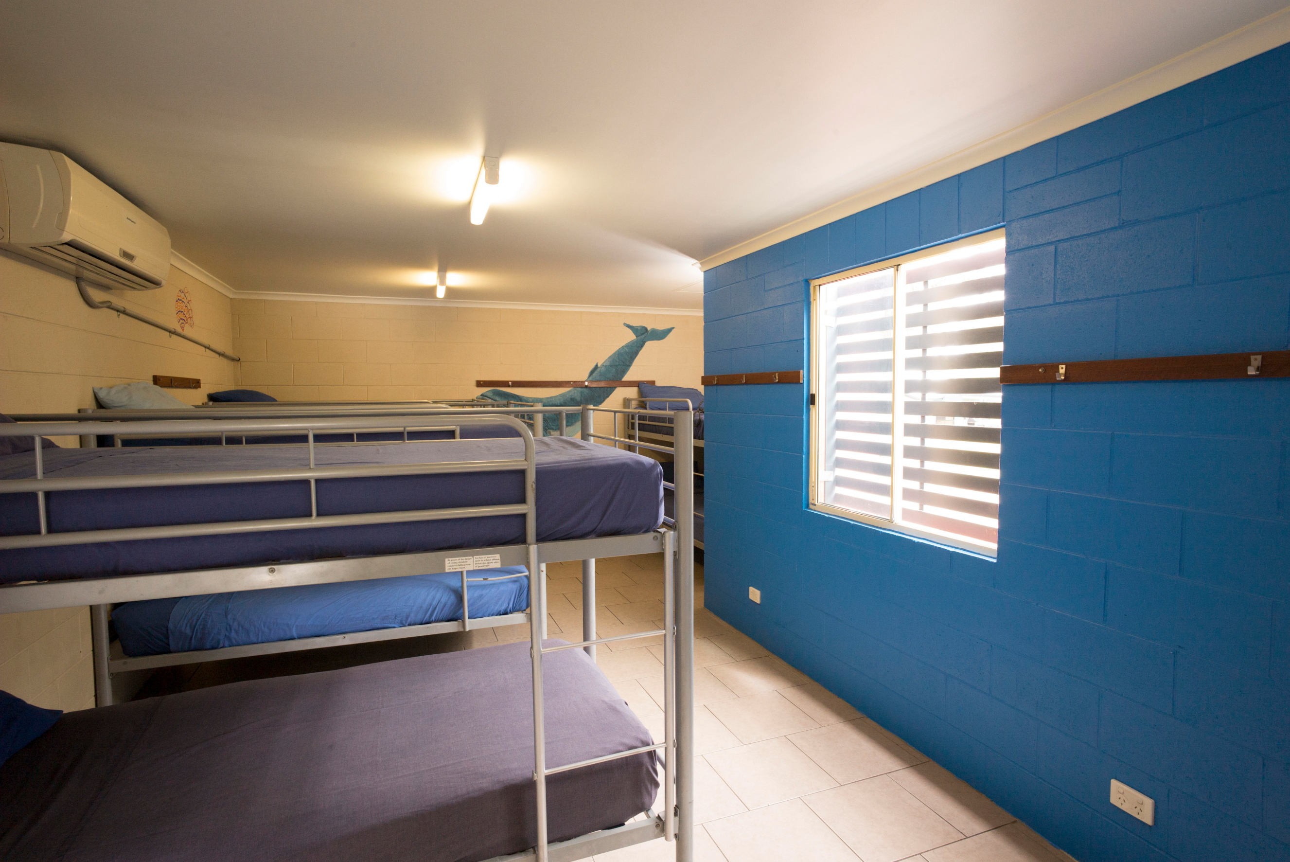 10 BED MIXED WITH ENSUITE