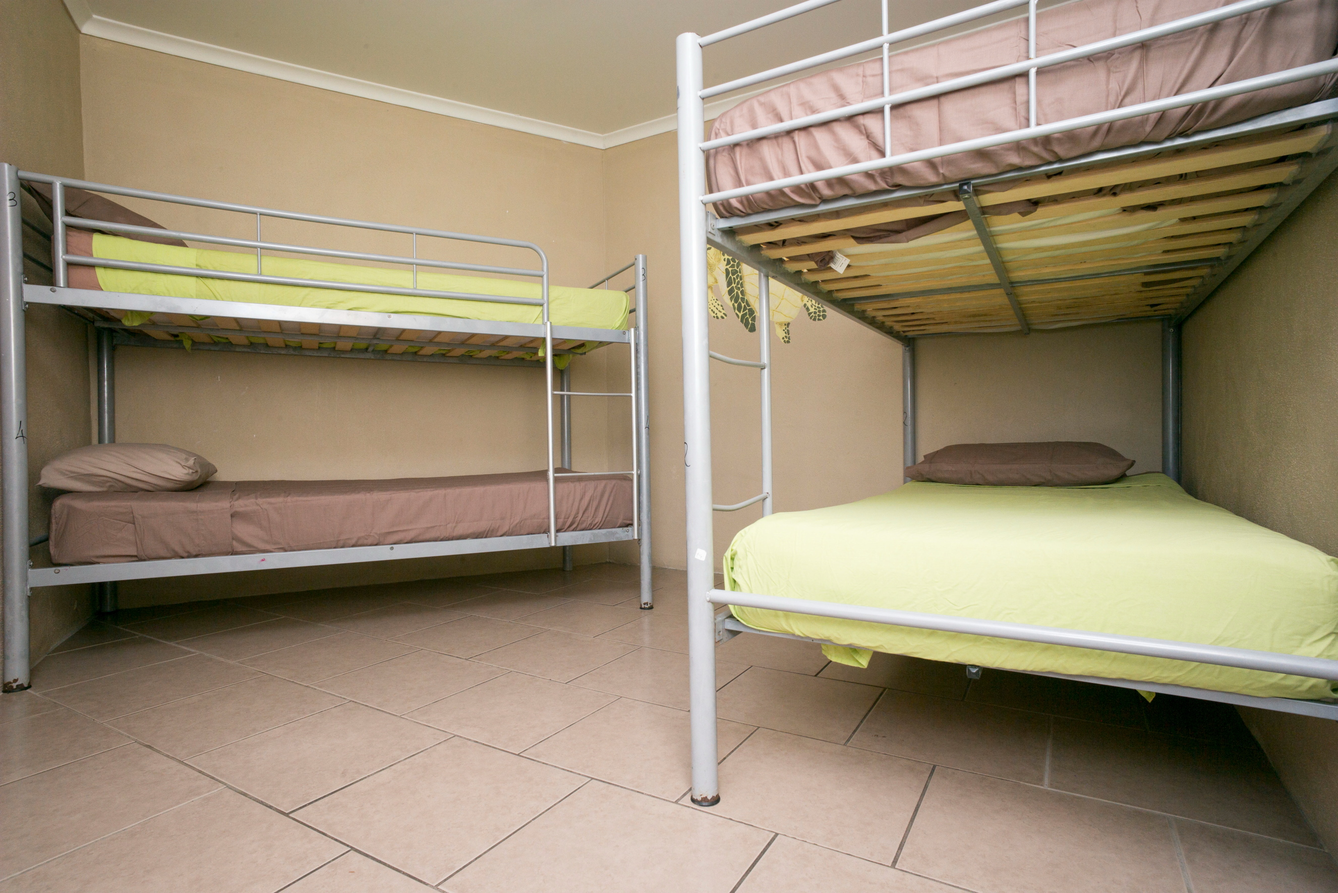 4 BED MIXED DORM WITH ENSUITE